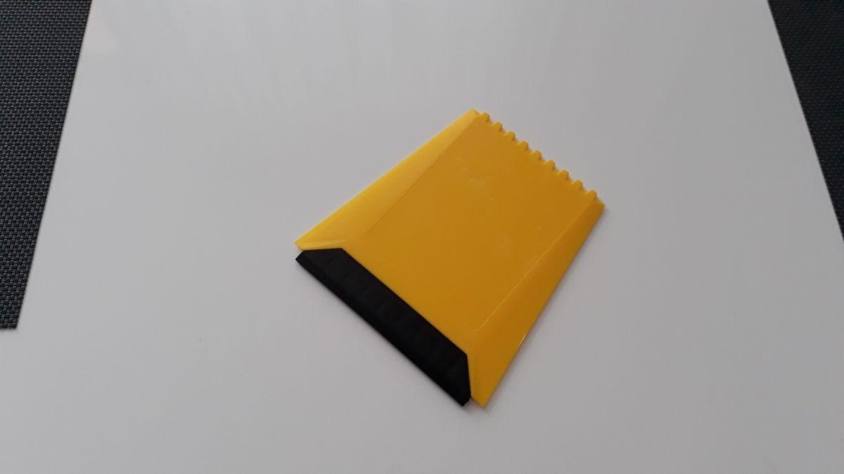 škrabka na autoskla s pryží trapézový tvar